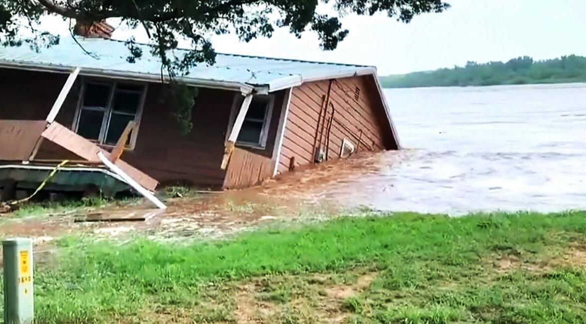 Bild zu Haus im Wasser