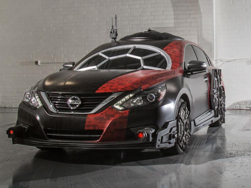 """Bild zu Nissan Altima """"Special Forces TIE Fighter"""""""
