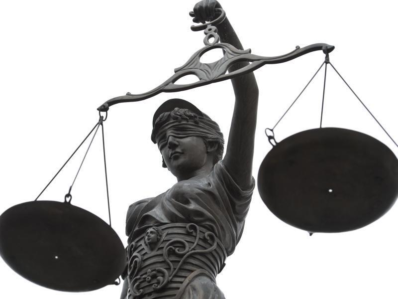 Bild zu Statue der Justitia