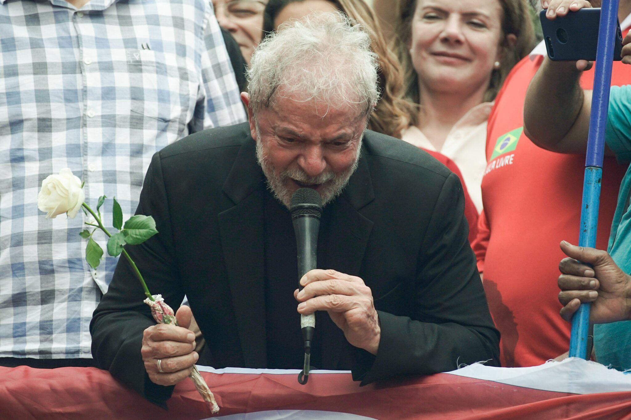 Bild zu Brasiliens Ex-Präsident Lula wieder auf freiem Fuß