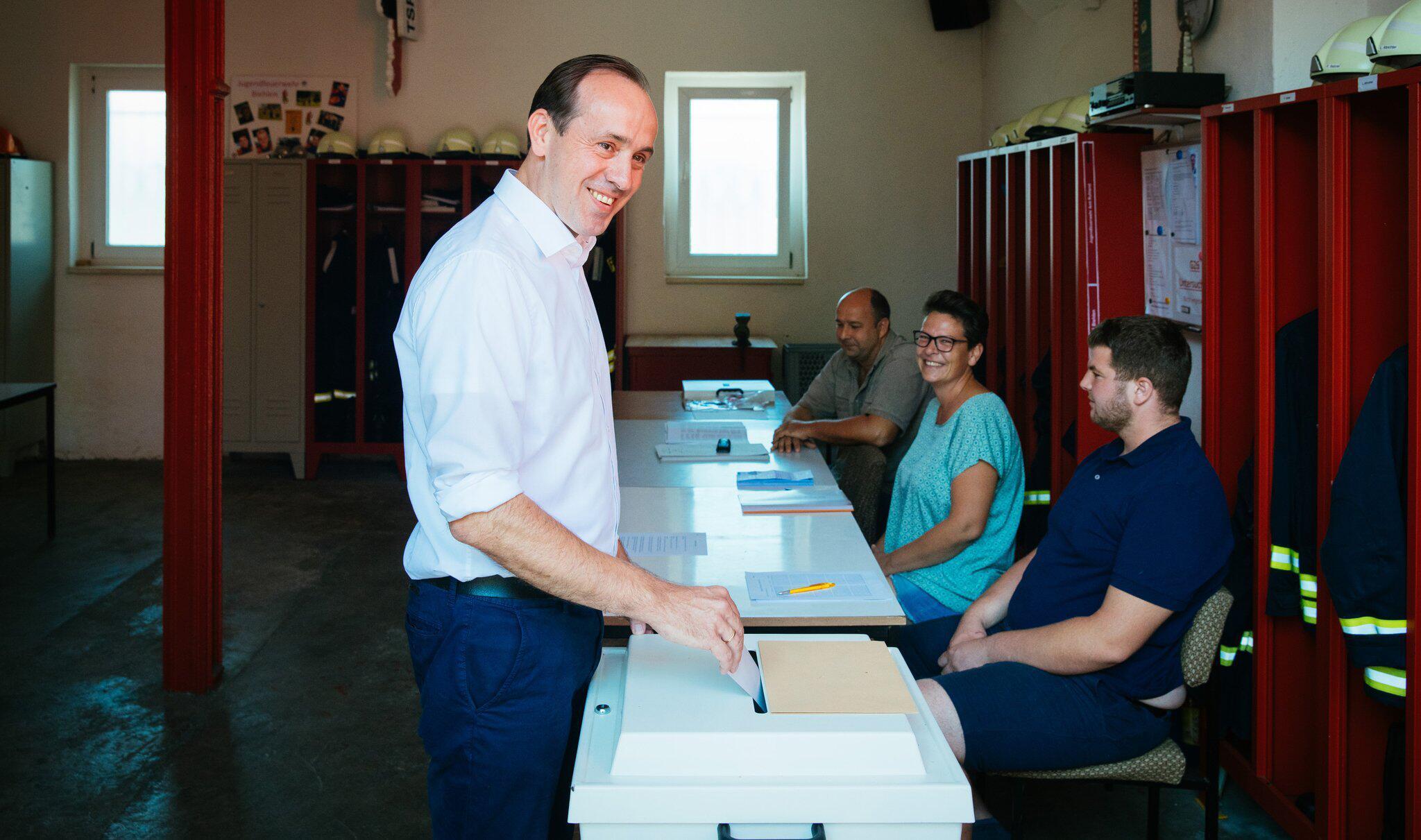 Bild zu Landtagswahl in Brandenburg - Stimmabgabe CDU