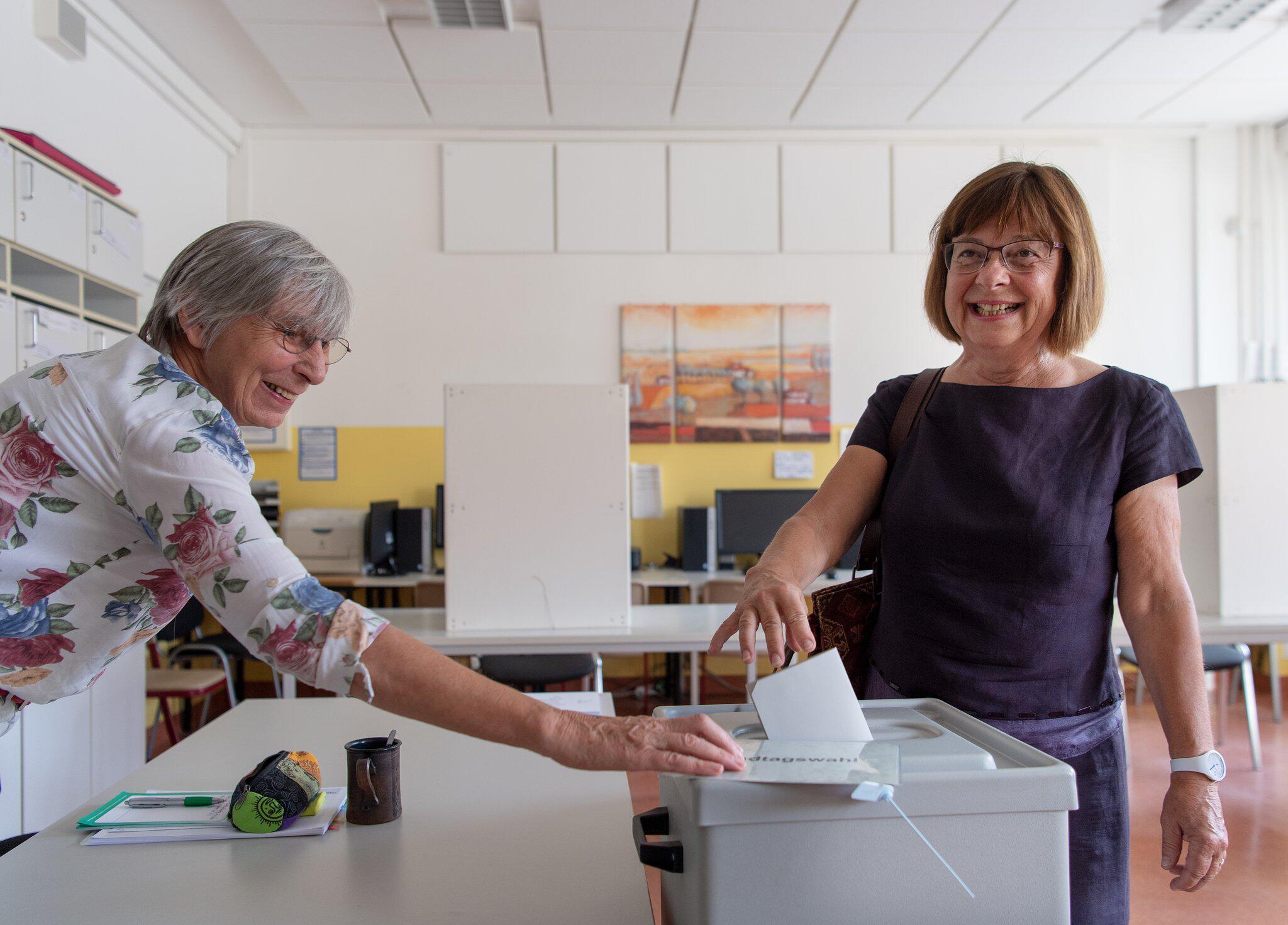 Bild zu Landtagswahl in Brandenburg - Stimmabgabe Nonnemacher