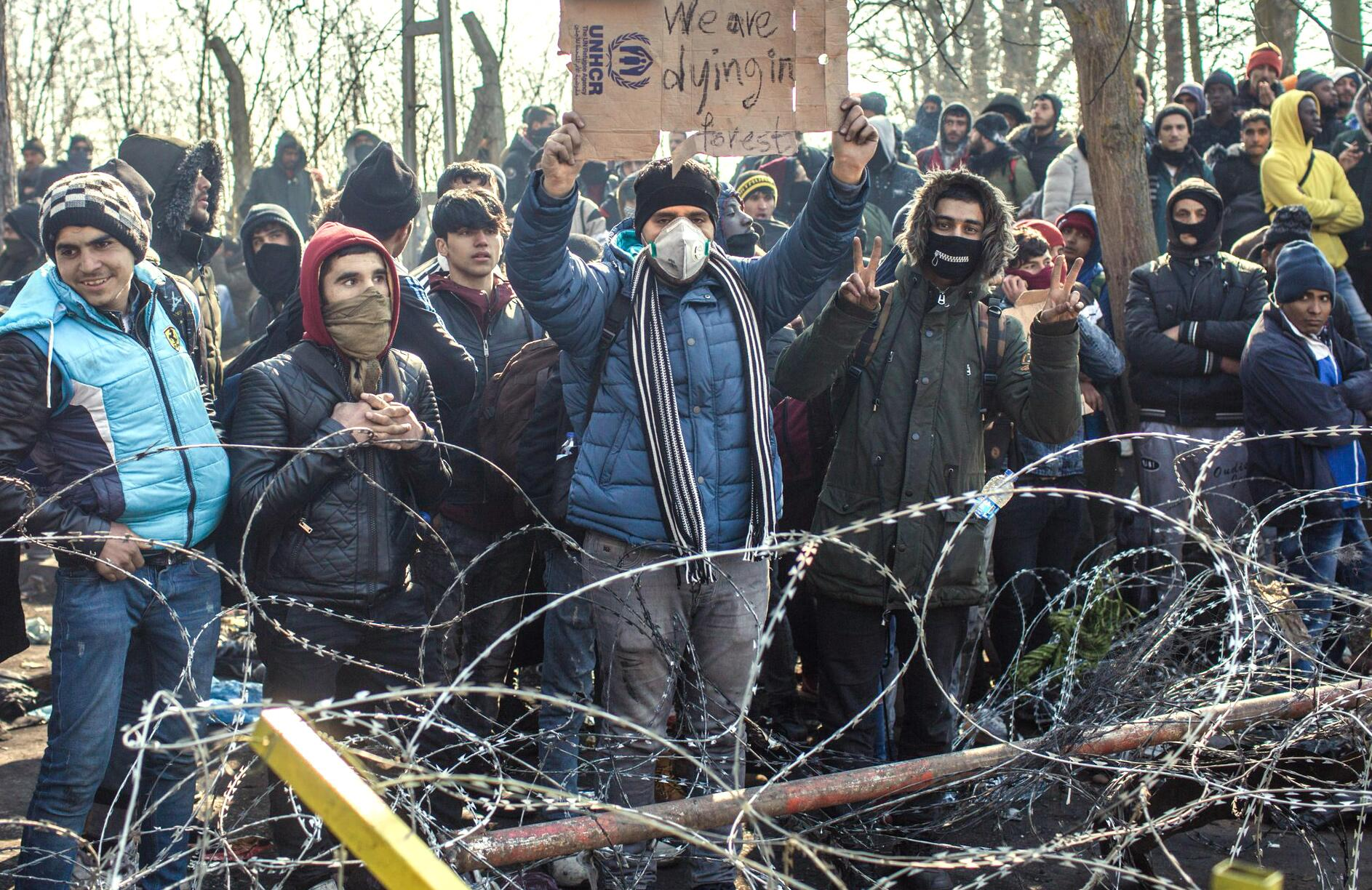 Bild zu Migranten an geschlossenem türkisch-griechischen Grenzübergang