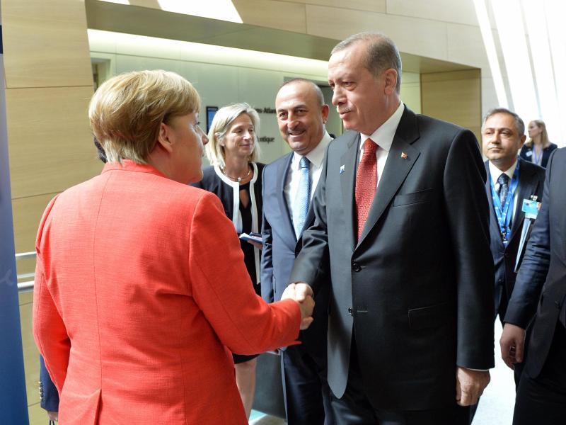 Bild zu Merkel und Erdogan