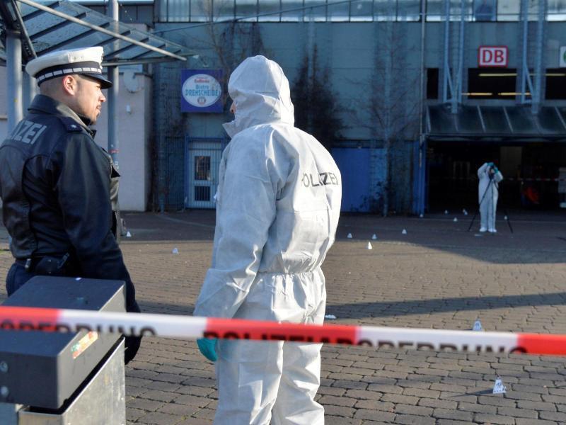 Bild zu Schusswechsel in Stuttgart