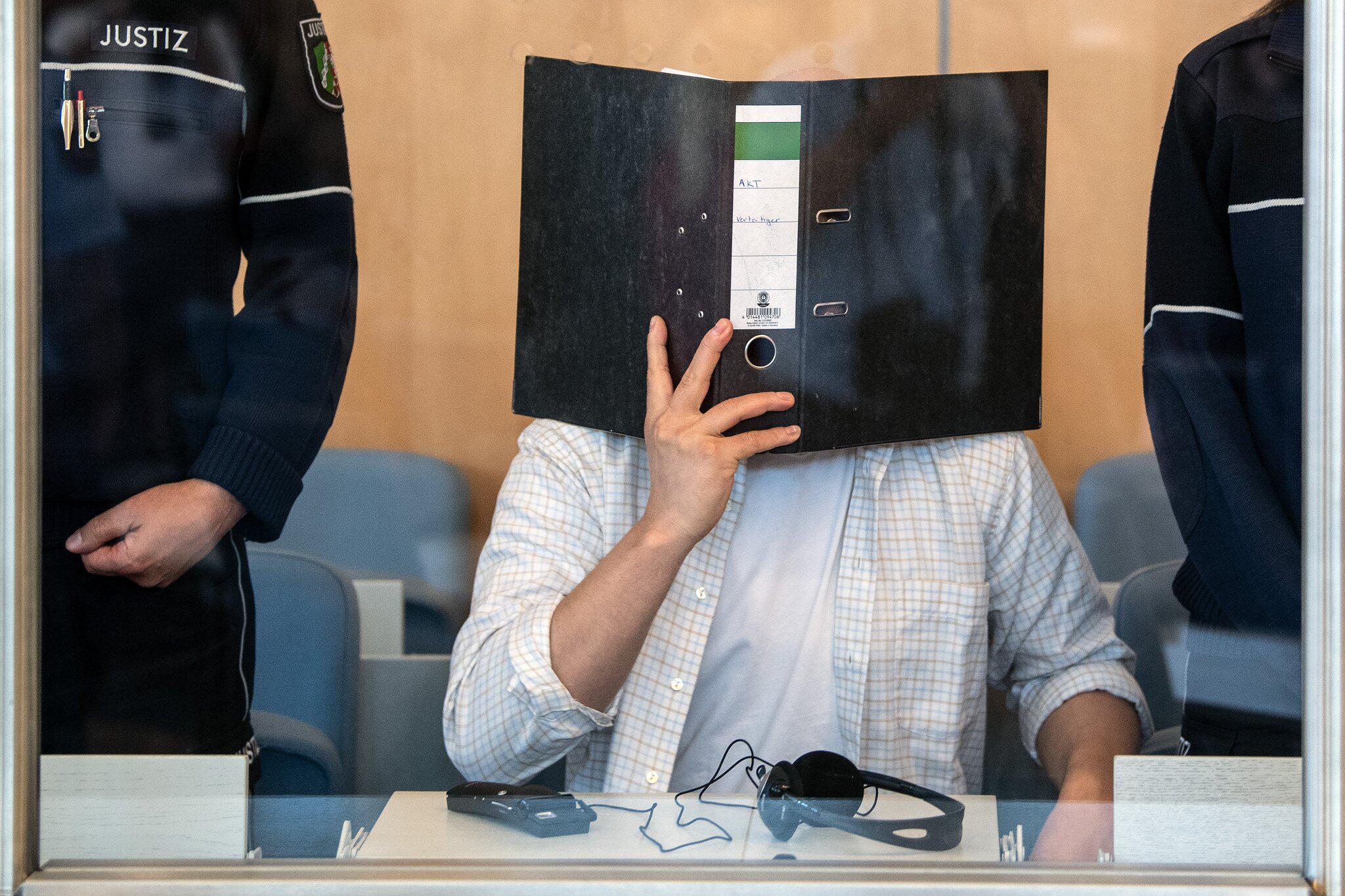 Bild zu Prozess gegen mutmaßlichen Rizin-Bombenbauer von Köln