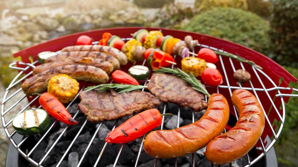 Grillen, BBQ, Sommer, Fleisch, Burger, Fußball-EM, Garten, Bier, Grill