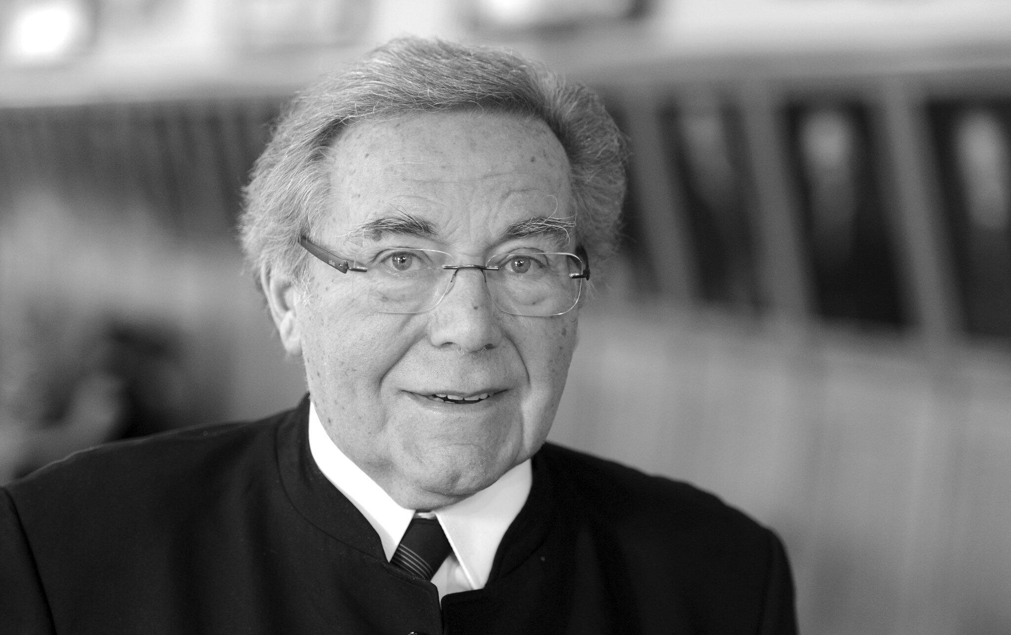 Bild zu Opernsänger Peter Schreier gestorben