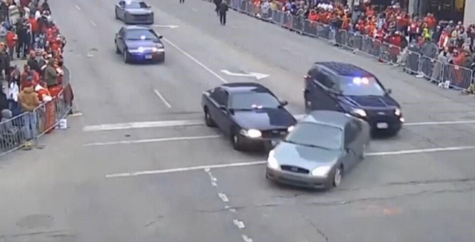 Bild zu Auto, Verfolgungsjagd, Kansas City, Super Bowl, Parade