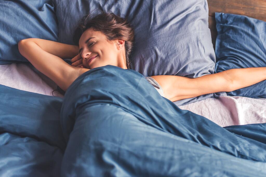 schlaf, schlafen, schnarchen, schlafbrille, schnarchstopper, träume, kissen, tee