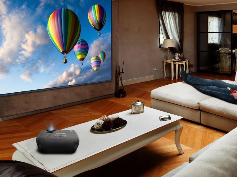beamer oder fernseher wer macht das bessere heimkino 1 1. Black Bedroom Furniture Sets. Home Design Ideas