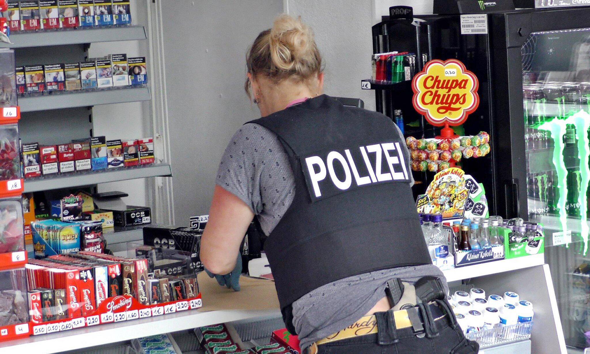 Bild zu Kioskbesitzer zum zweiten Mal entführt - und schweigt
