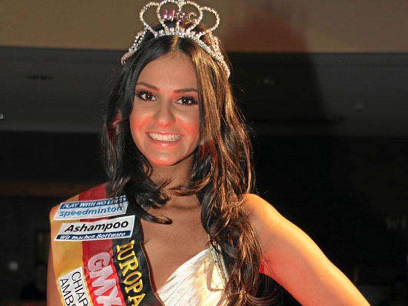 """Bild zu """"Miss Internet"""" Yassi Hahn"""