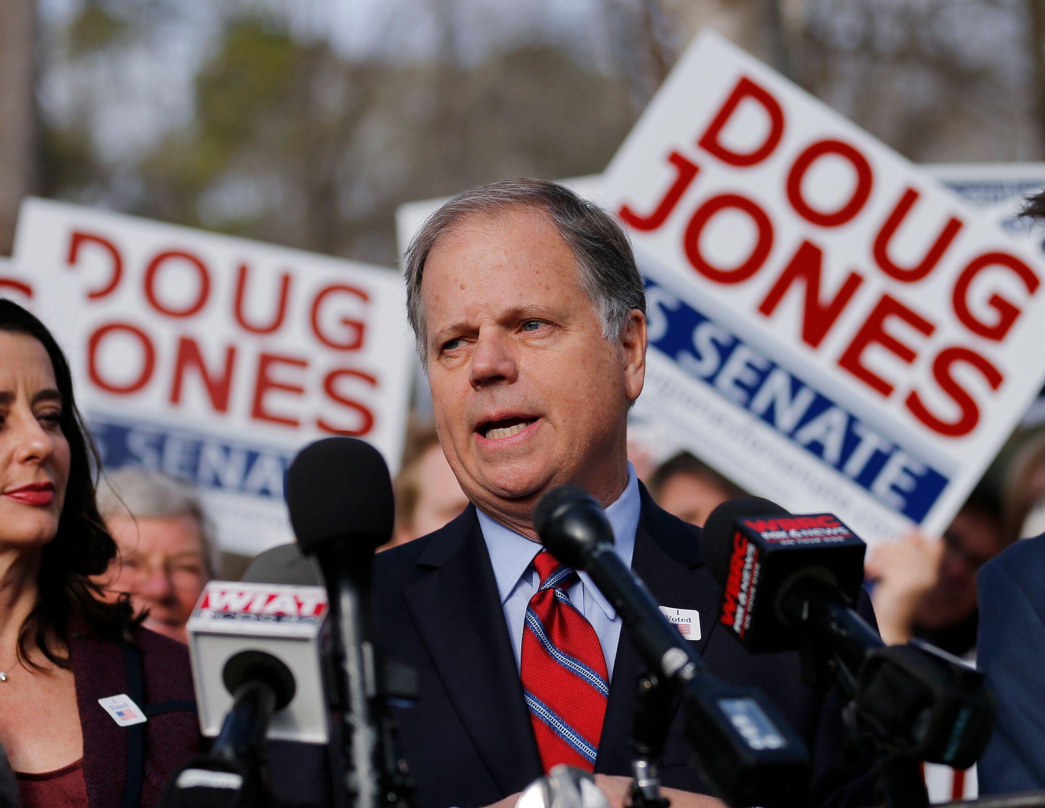 Bild zu Mit wem Biden regieren könnte - Doug Jones