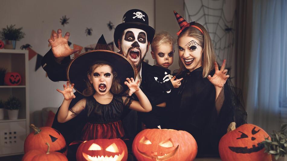 halloween, kostüme, verkleidung, spinne, geist, skelett, hexe, vampir, zombie