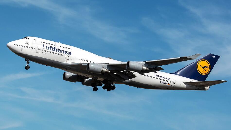 Jumbo-Jet muss kurz nach Start in Frankfurt umkehren