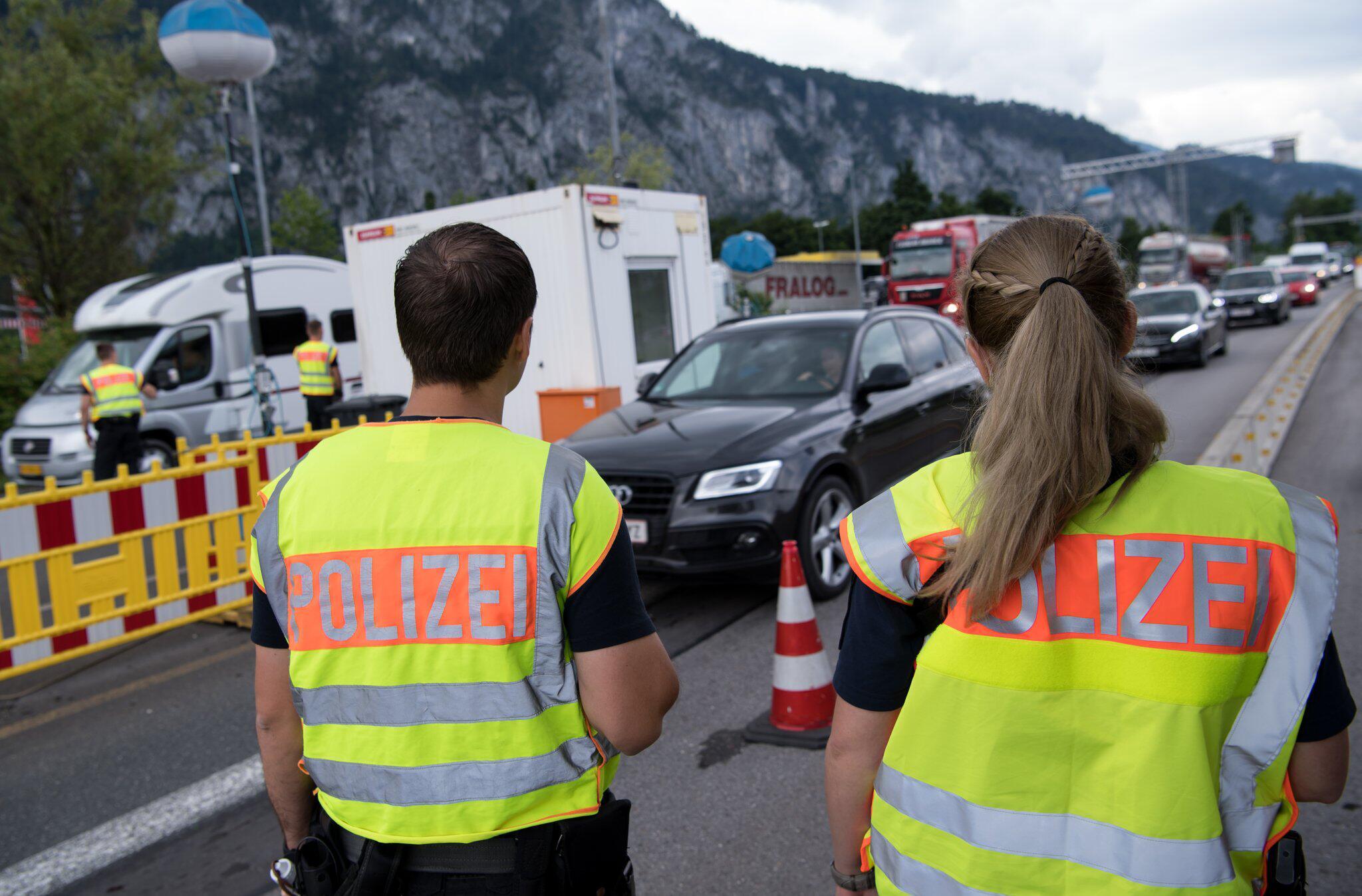 Bild zu Grenzkontrolle Deutschland - Österreich