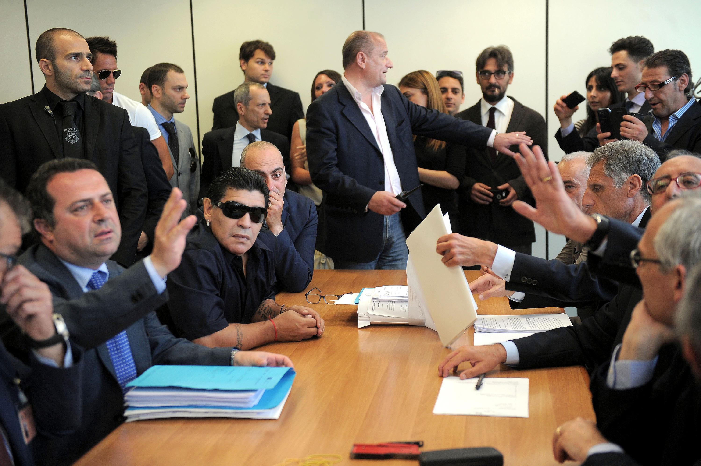 Bild zu Neapel, Diego Maradona, Steuerhinterziehung, Steuerkommission
