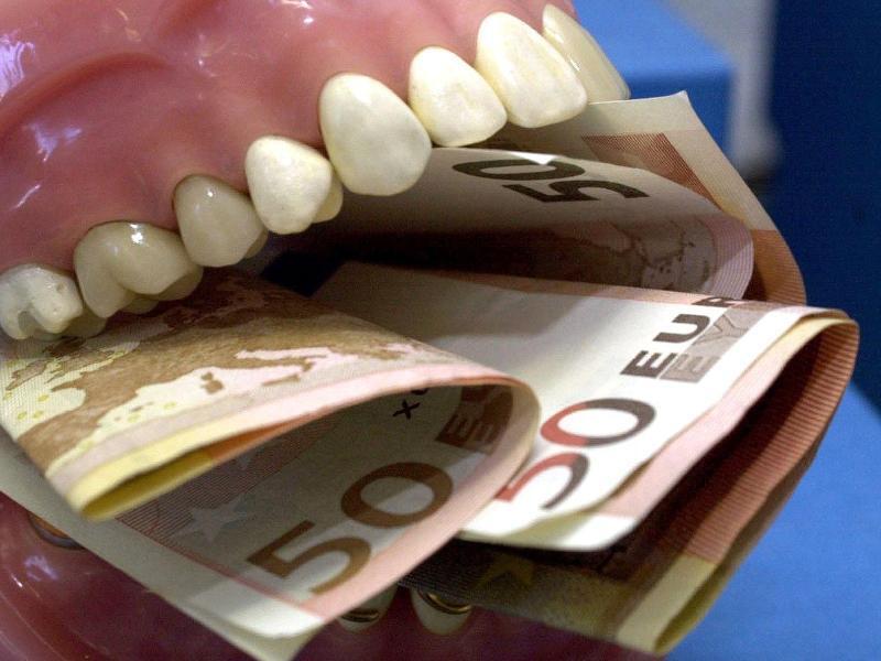 Bild zu Kosten für Zahnbehandlungen