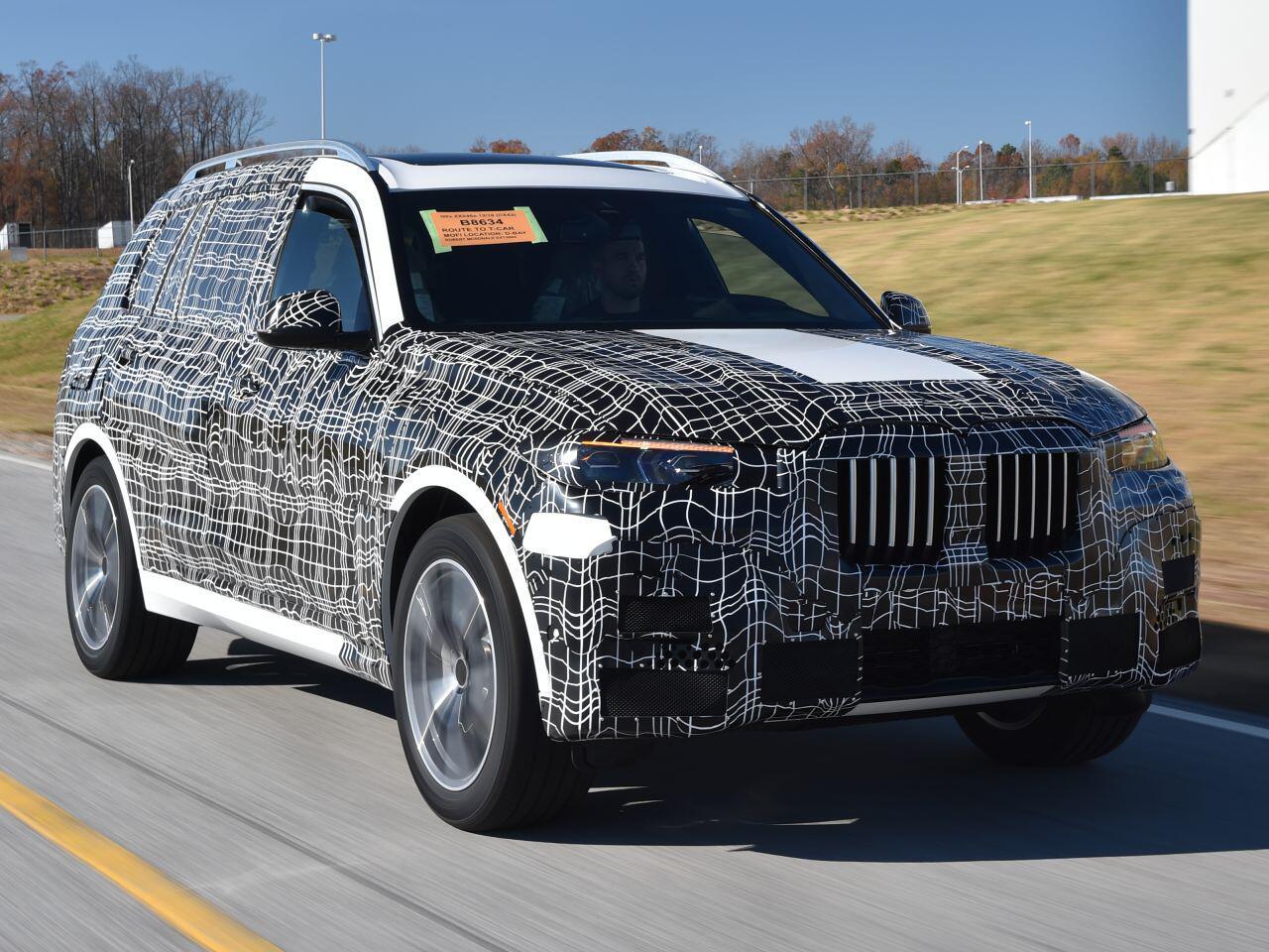 Bild zu BMW X7: Erste offizielle Erlkönig-Bilder aus den USA zeigen neues Luxus-SUV