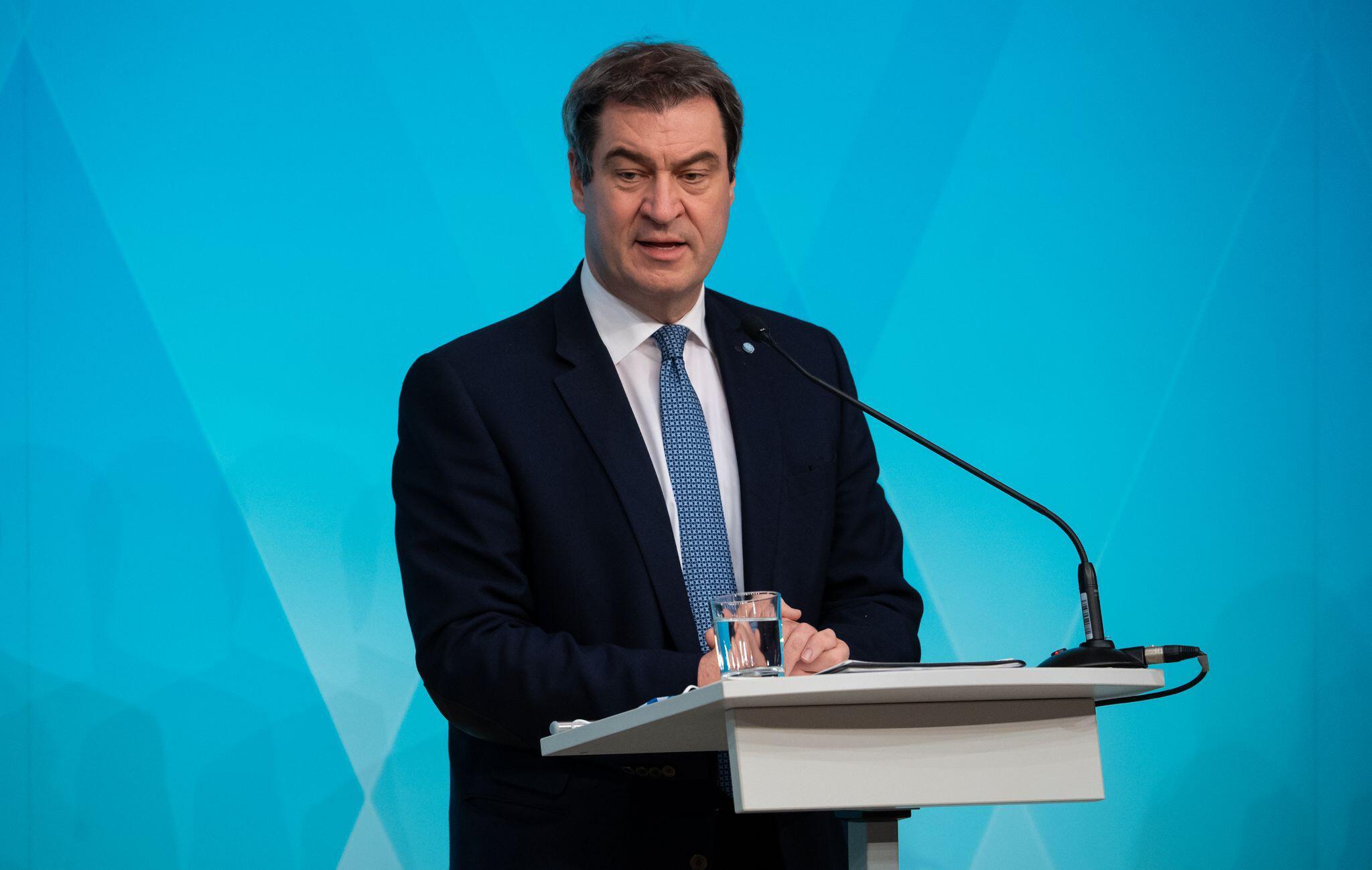 Bild zu Coronavirus - Kabinettssitzung Bayern