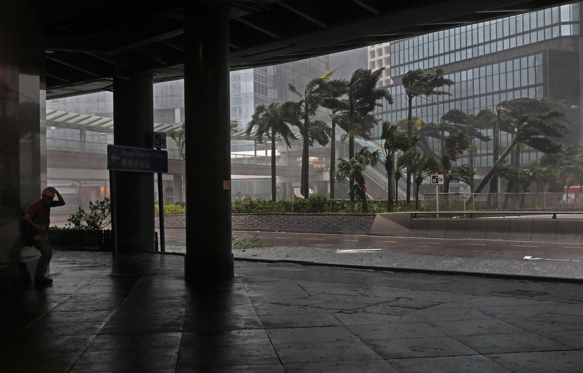 Bild zu Taifun «Mangkhut» - Hongkong