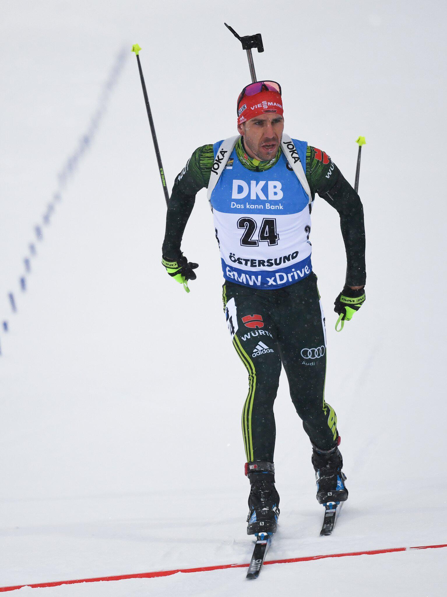Bild zu Biathlon, Biathlon-WM, Arnd Peiffer, Östersund, Einzelrennen, Ziel