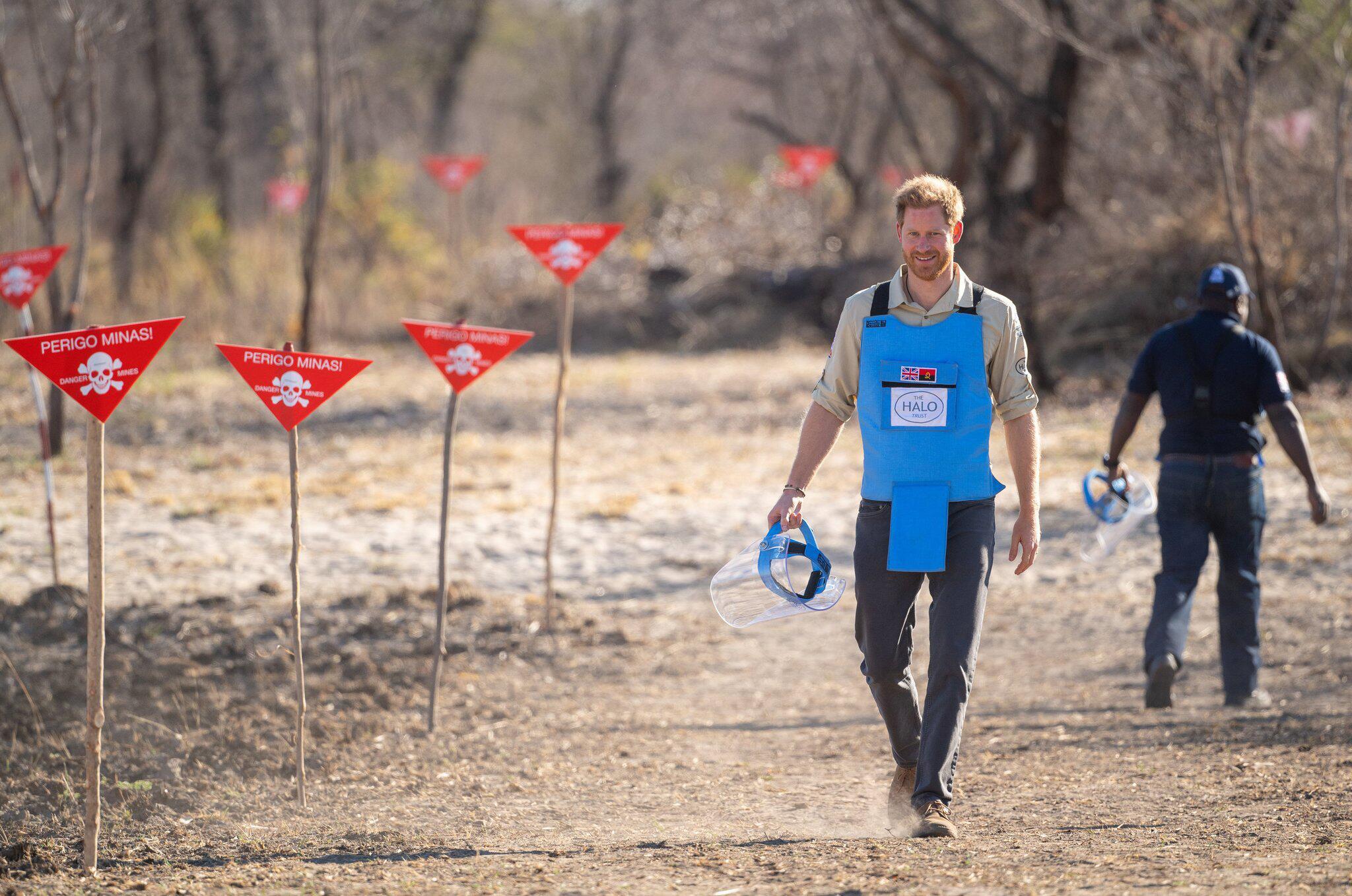 Bild zu Prinz Harry und Herzogin Meghan auf Afrikareise