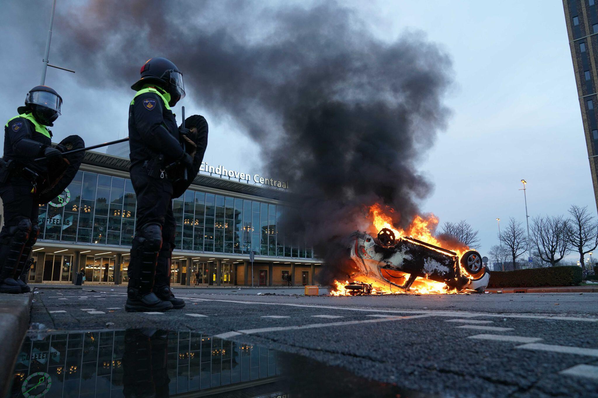Bild zu Coronavirus - Proteste in den Niederlanden