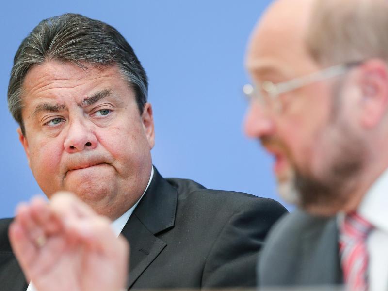 Bild zu Martin Schulz und Sigmar Gabriel