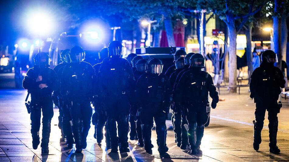 Coronavirus - Polizeieinsatz in Stuttgart