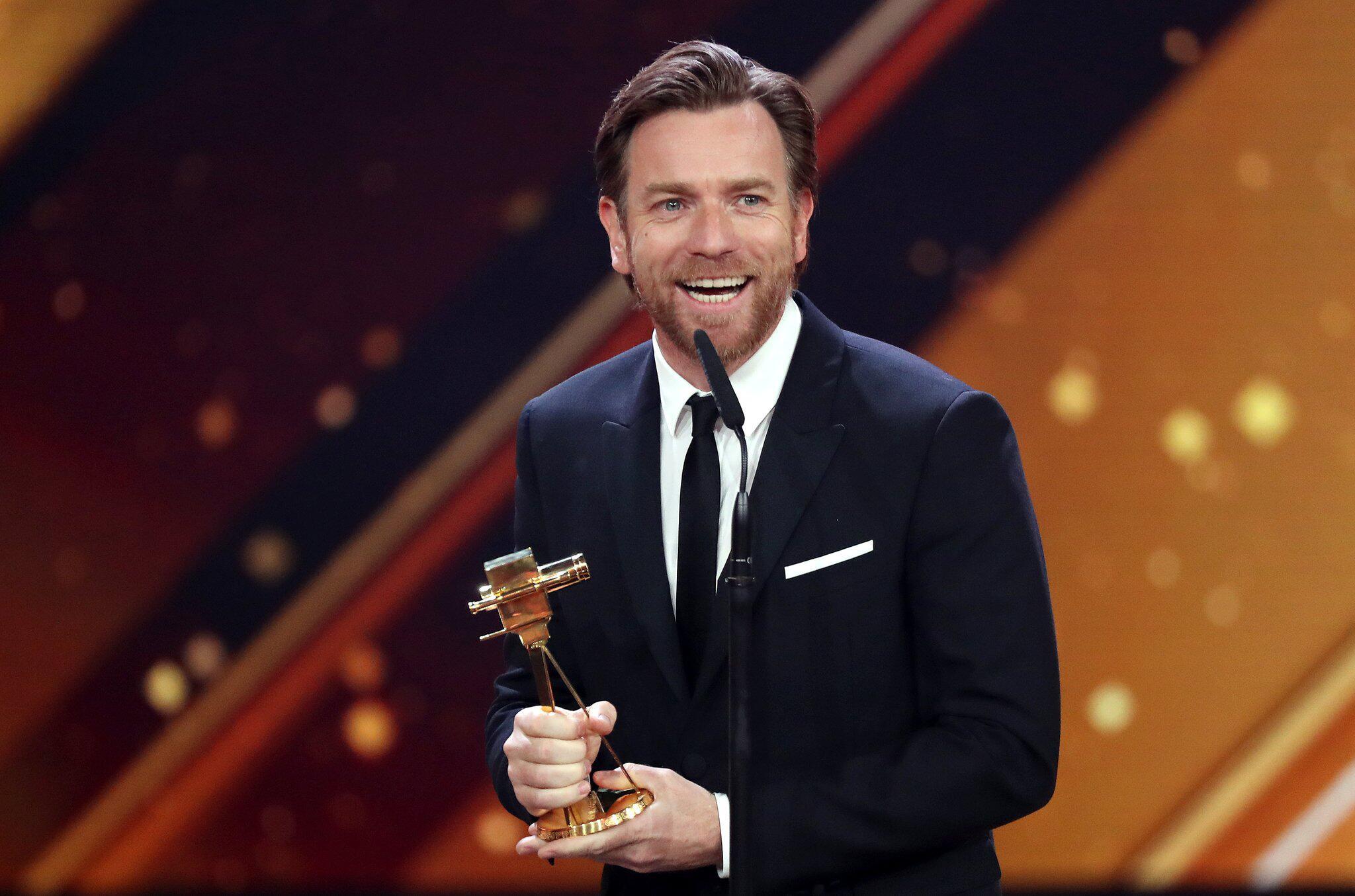 Bild zu Ewan McGregor kündigt Rückkehr als Obi-Wan Kenobi an