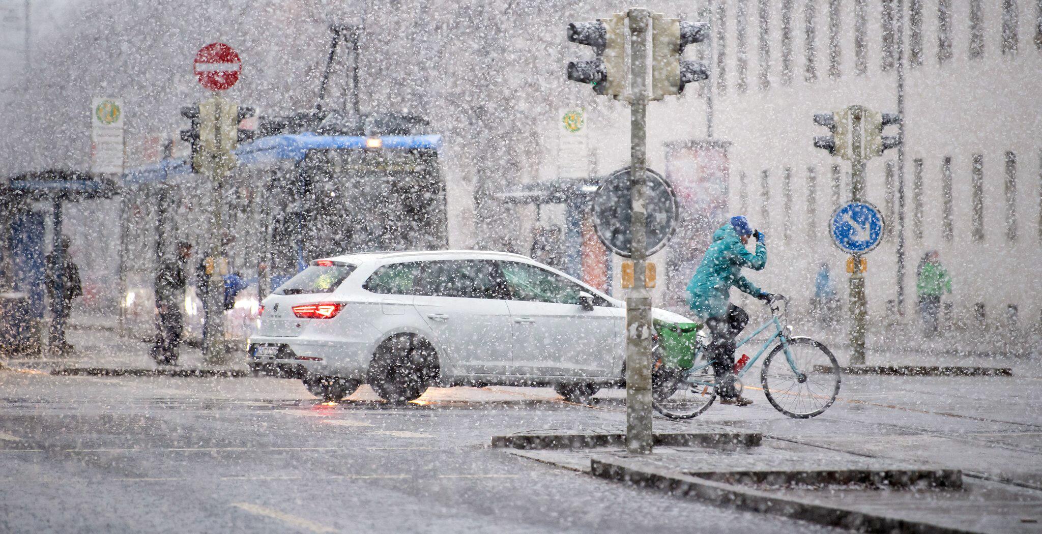 Bild zu Schneefall in München