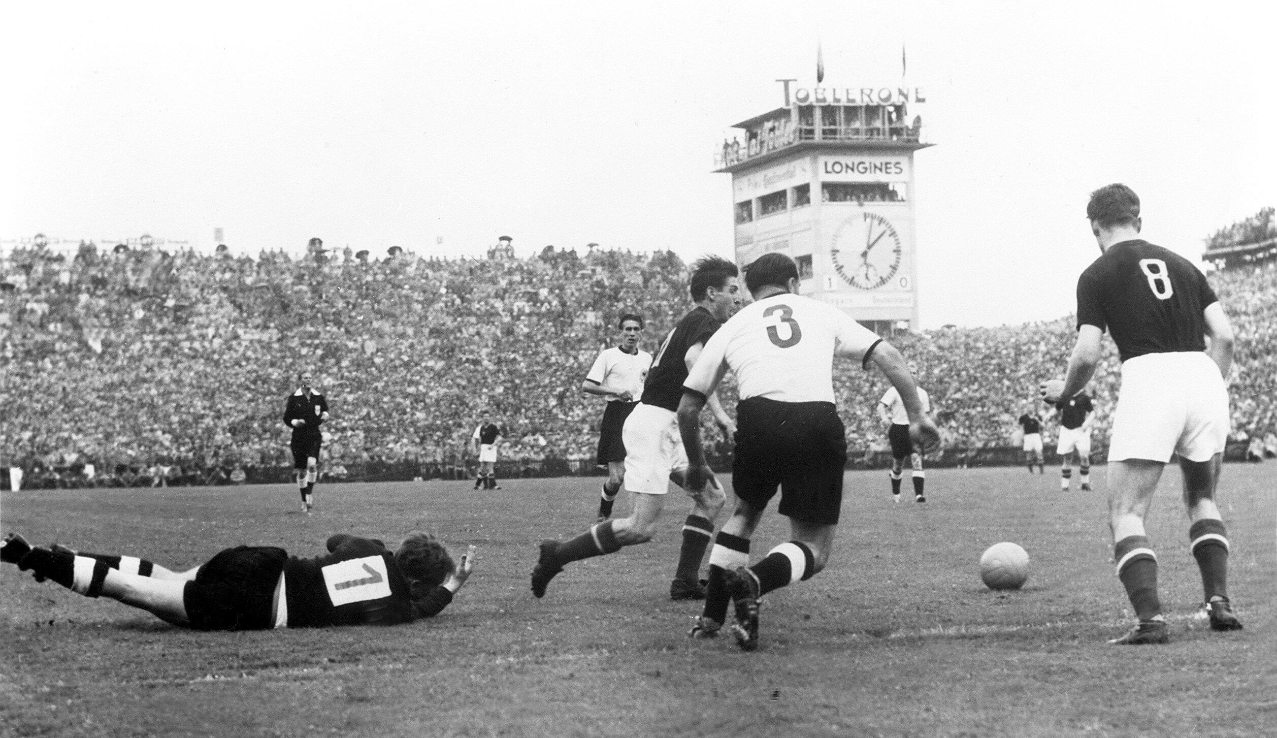 Bild zu WM 1954, Bern, Schweiz, Deutschland, Ungarn, Endspiel, Bern, Turek, Kohlmeyer, Czibor, Kocsis