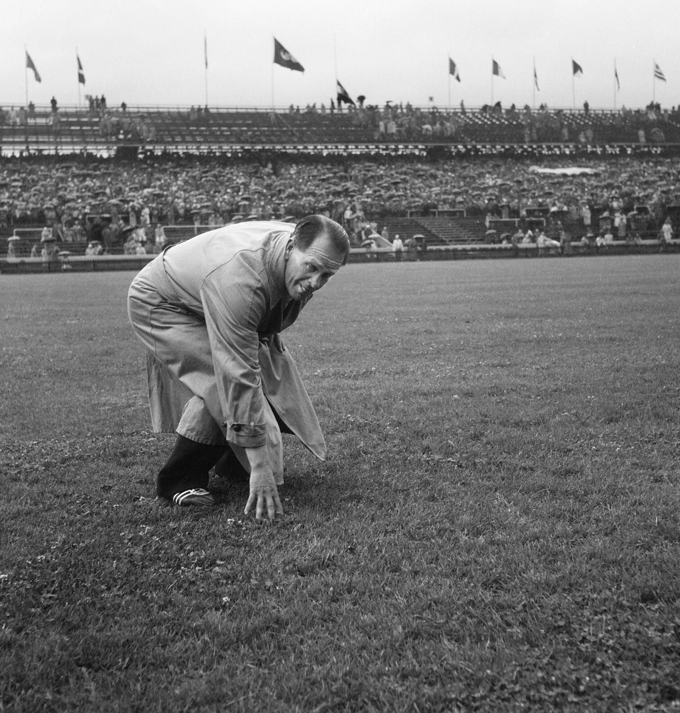 Bild zu WM 1954, Bern, Wankdorfstadion, Sepp Herberger, Bundestrainer, Rasen, Finale, Wetter, Deutschland