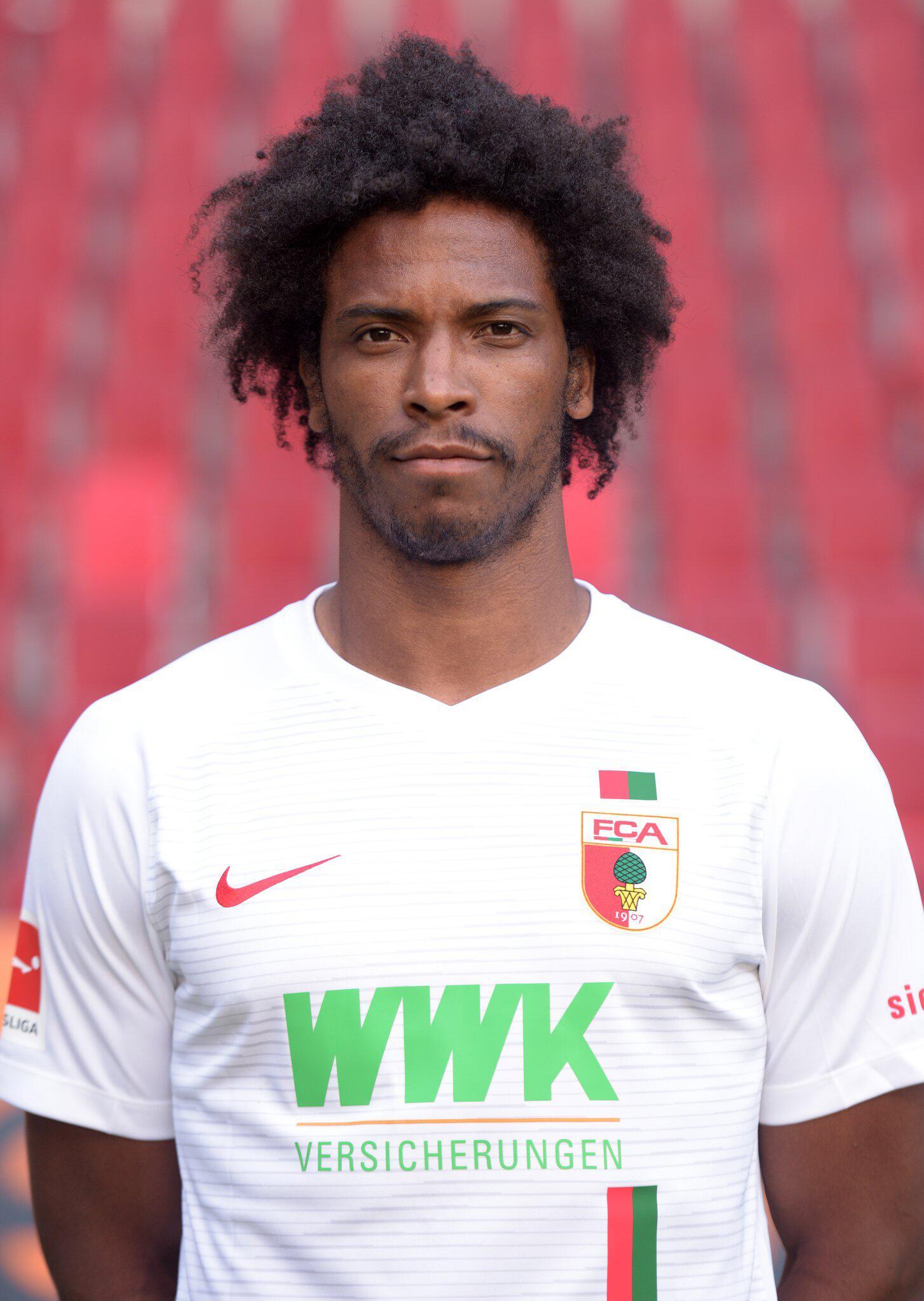 Bild zu FC Augsburg-Profi Caiuby wegen Schwarzfahrens verurteilt