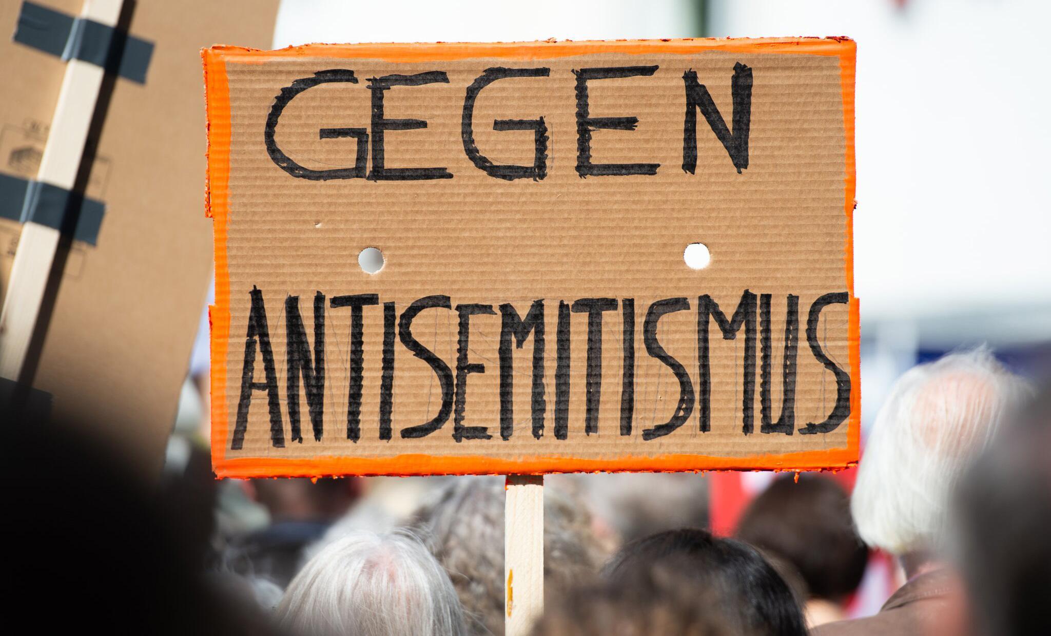 Bild zu Kundgebung gegen Antisemitismus