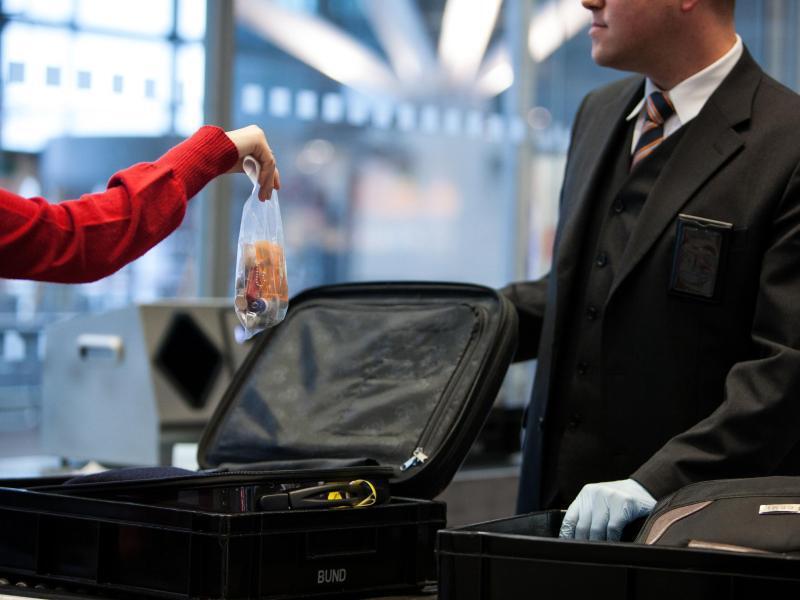 Bild zu Fluggastkontrolle
