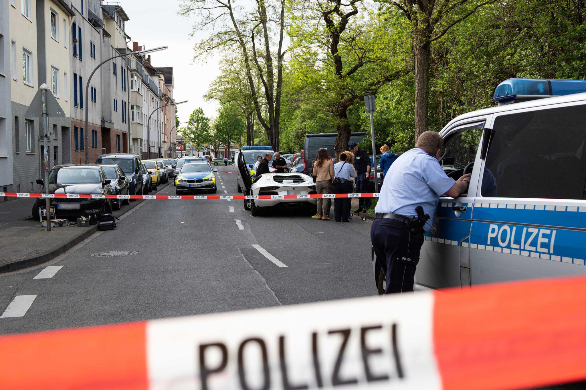 Bild zu Zwei Männer nach Schusswechsel schwer verletzt