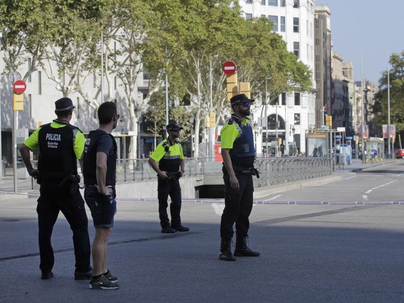 Bild zu Polizeisperre