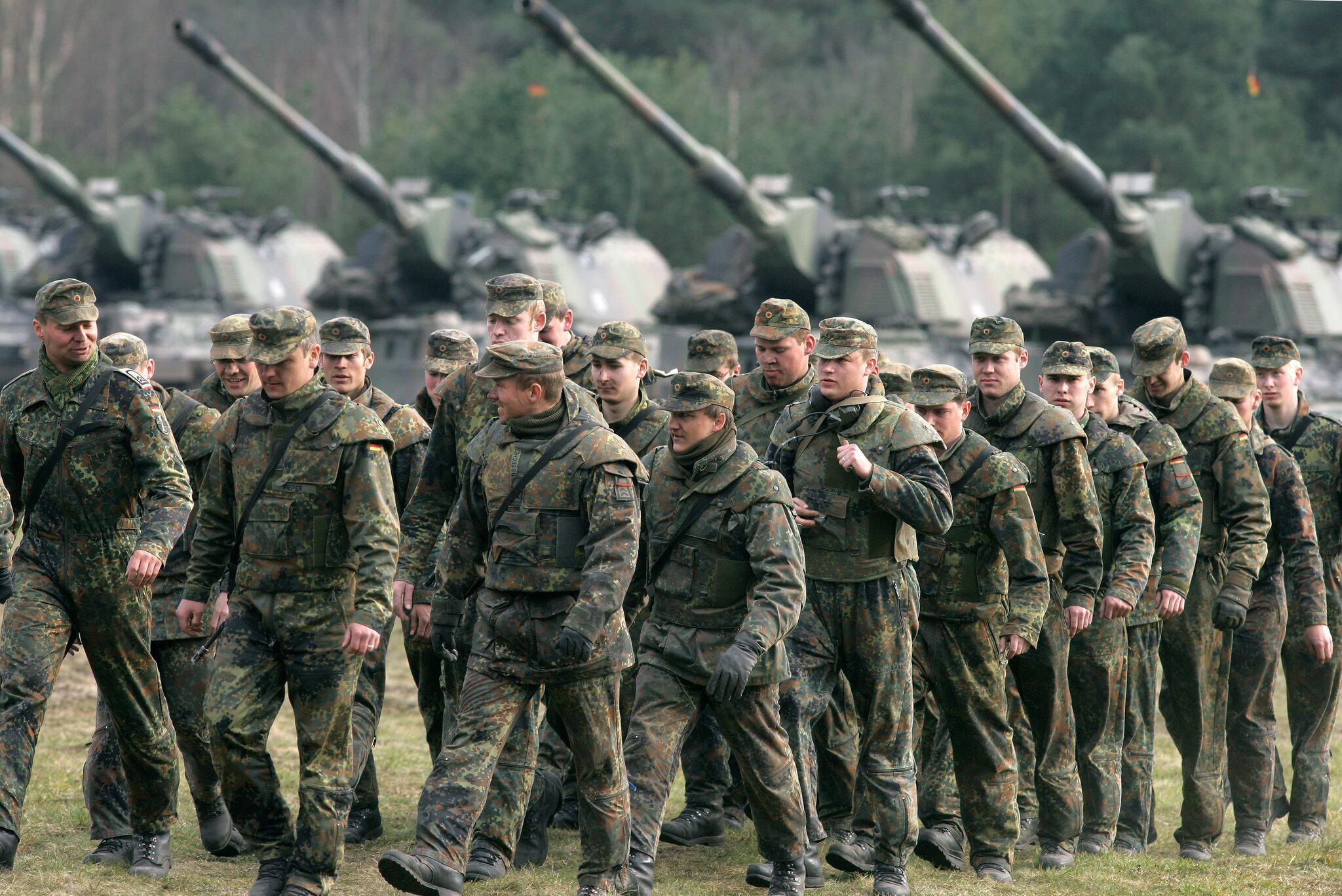 Bild zu Bundeswehr-Soldaten