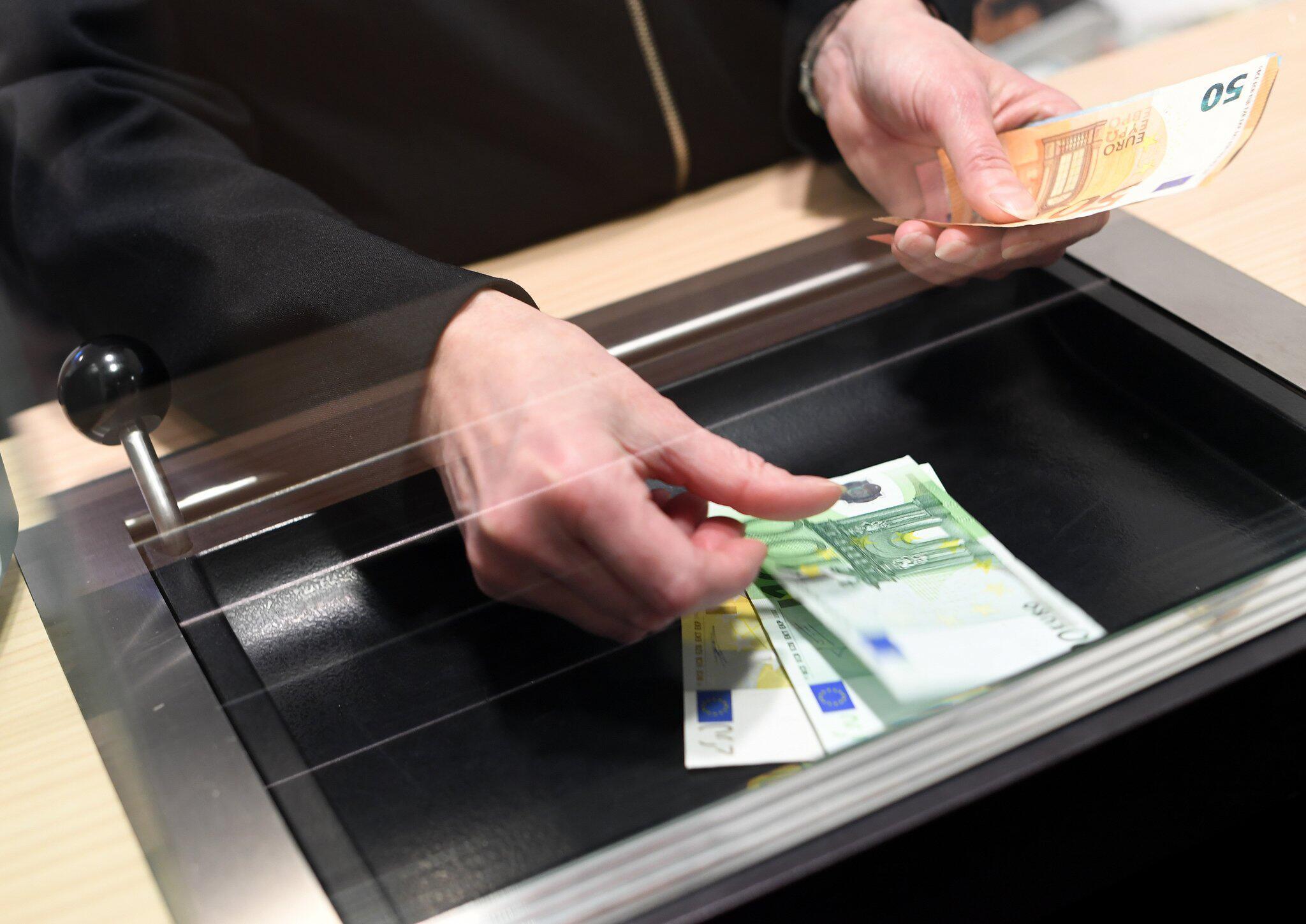 Bild zu BGH verkündet Urteil zu Bankgebühren für Schalterbuchungen