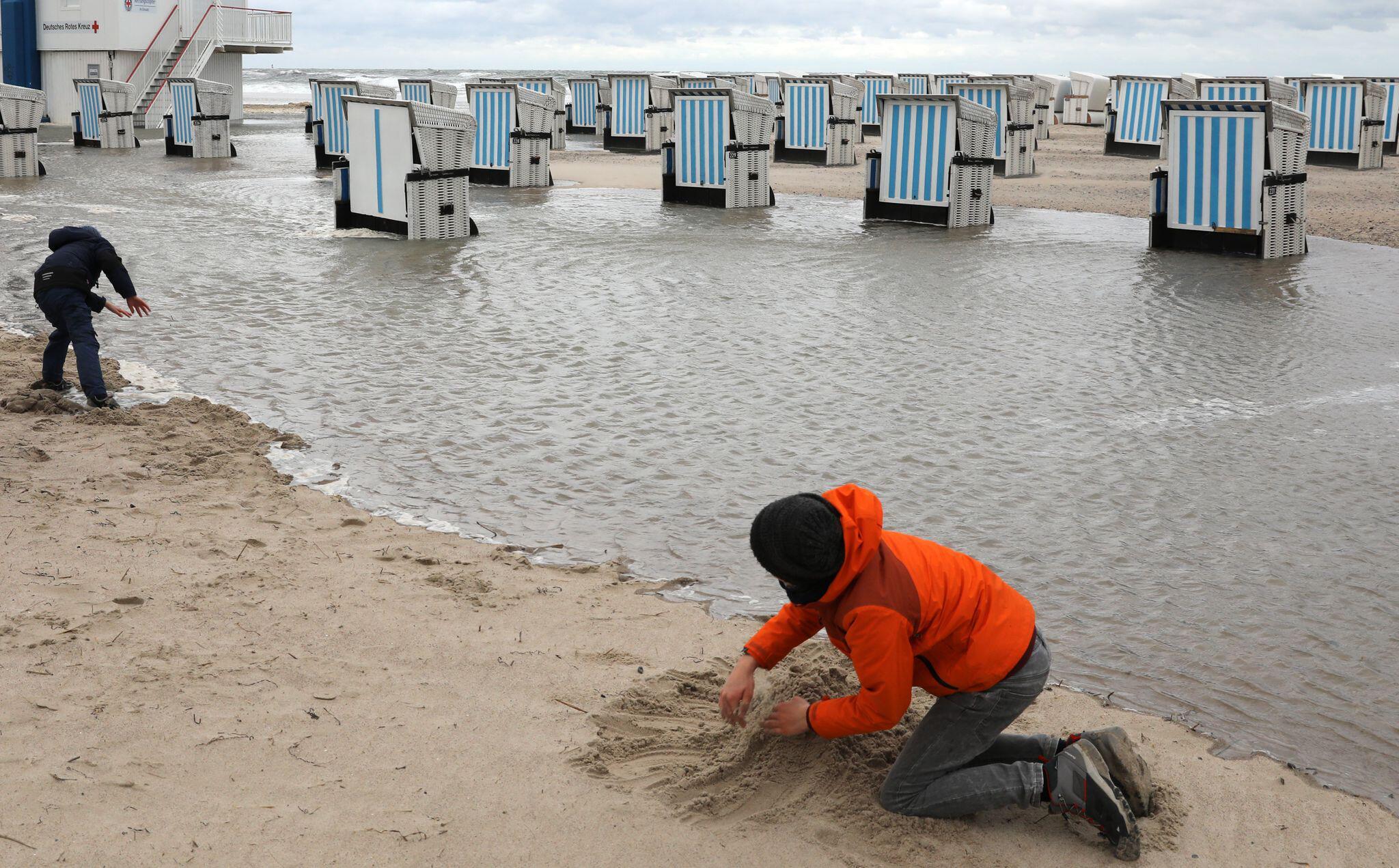 Bild zu Sturmflut an der Ostsee