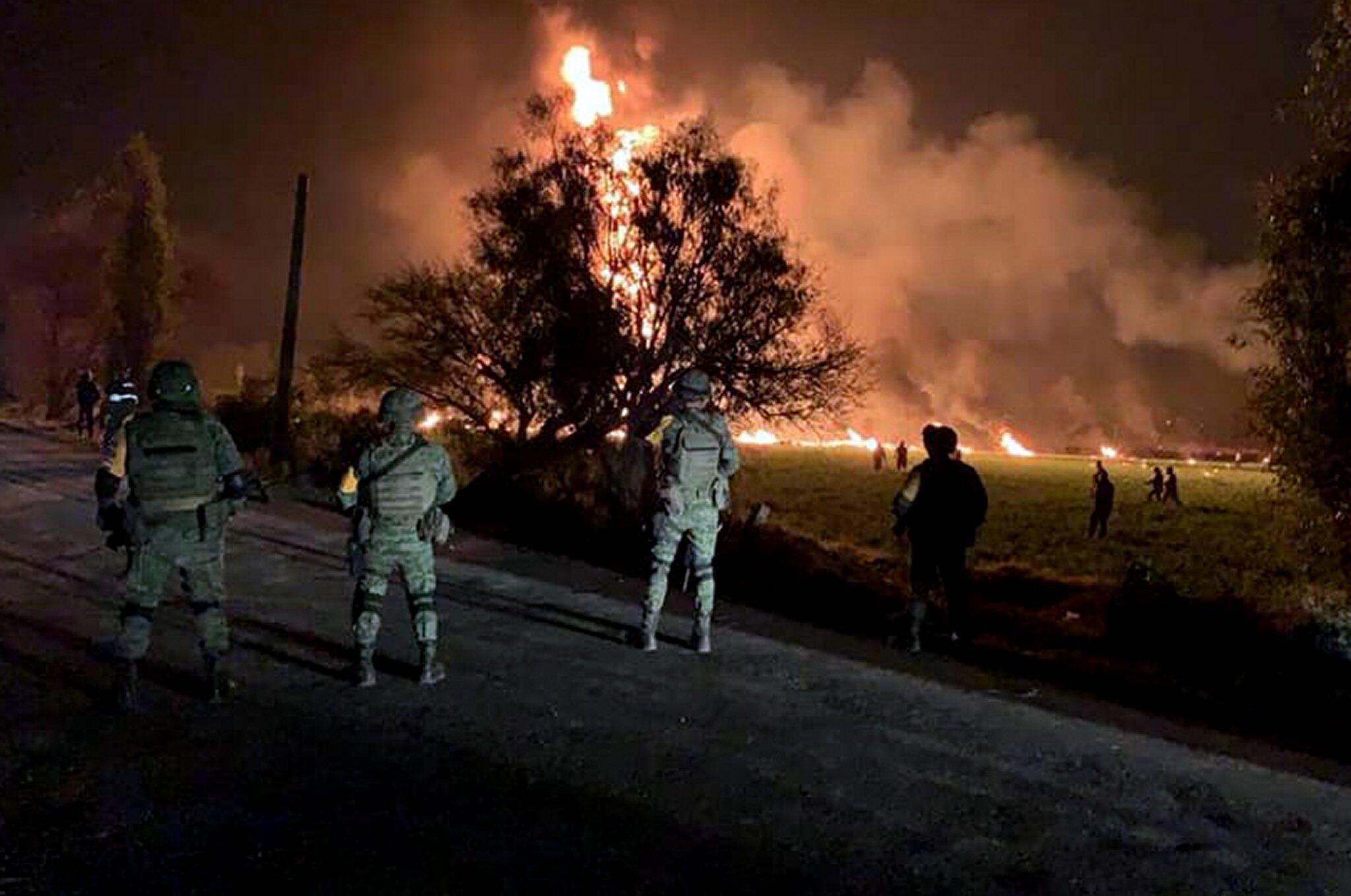 Bild zu Explosion an Benzinpipeline in Mexiko