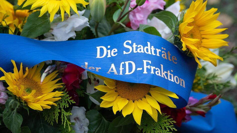 Solidaritätsbekundung an der Jüdischen Gemeinde in Dresden