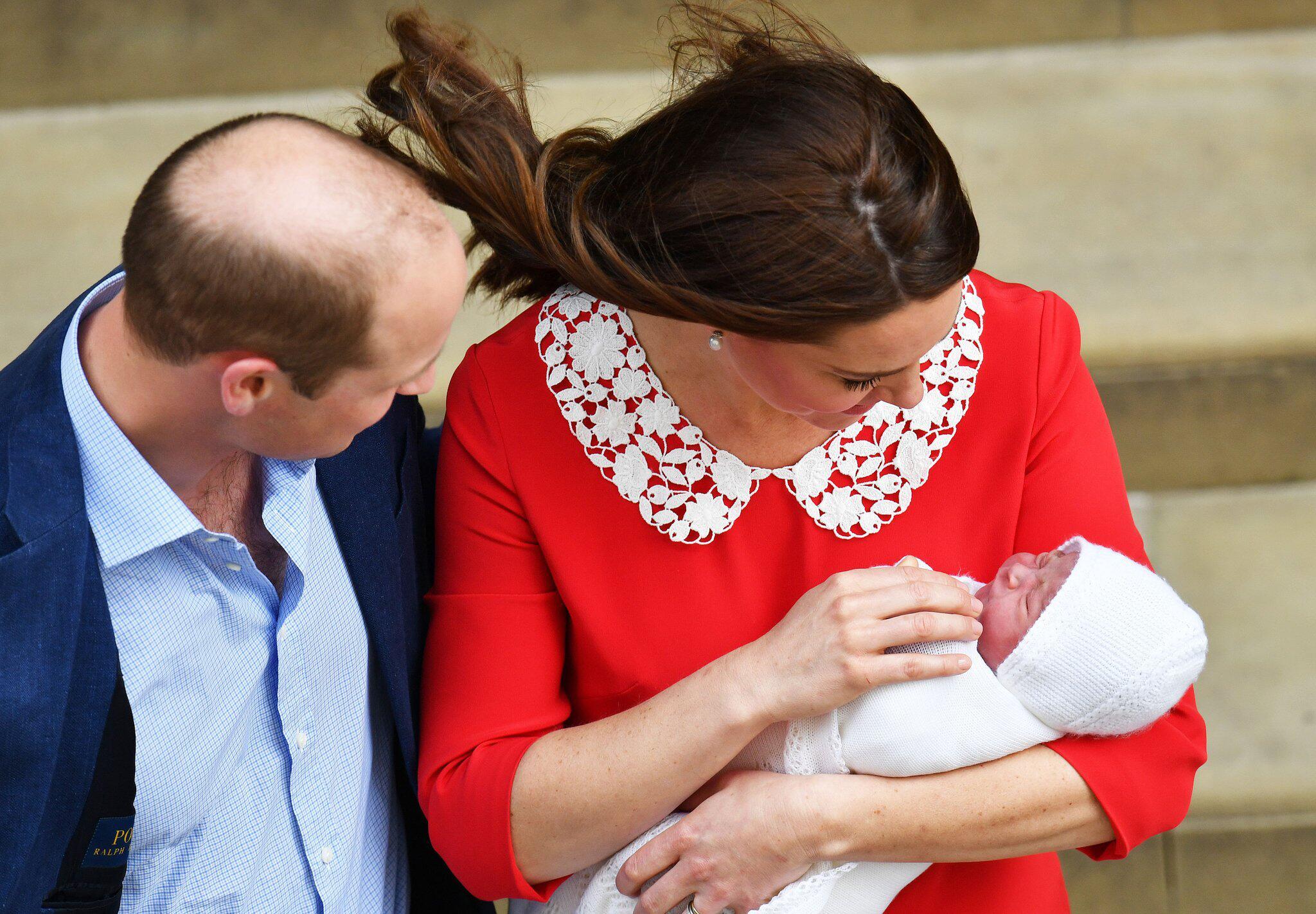 Bild zu Herzogin Kate, Prinz William, Baby, St. Mary's Hospital, London