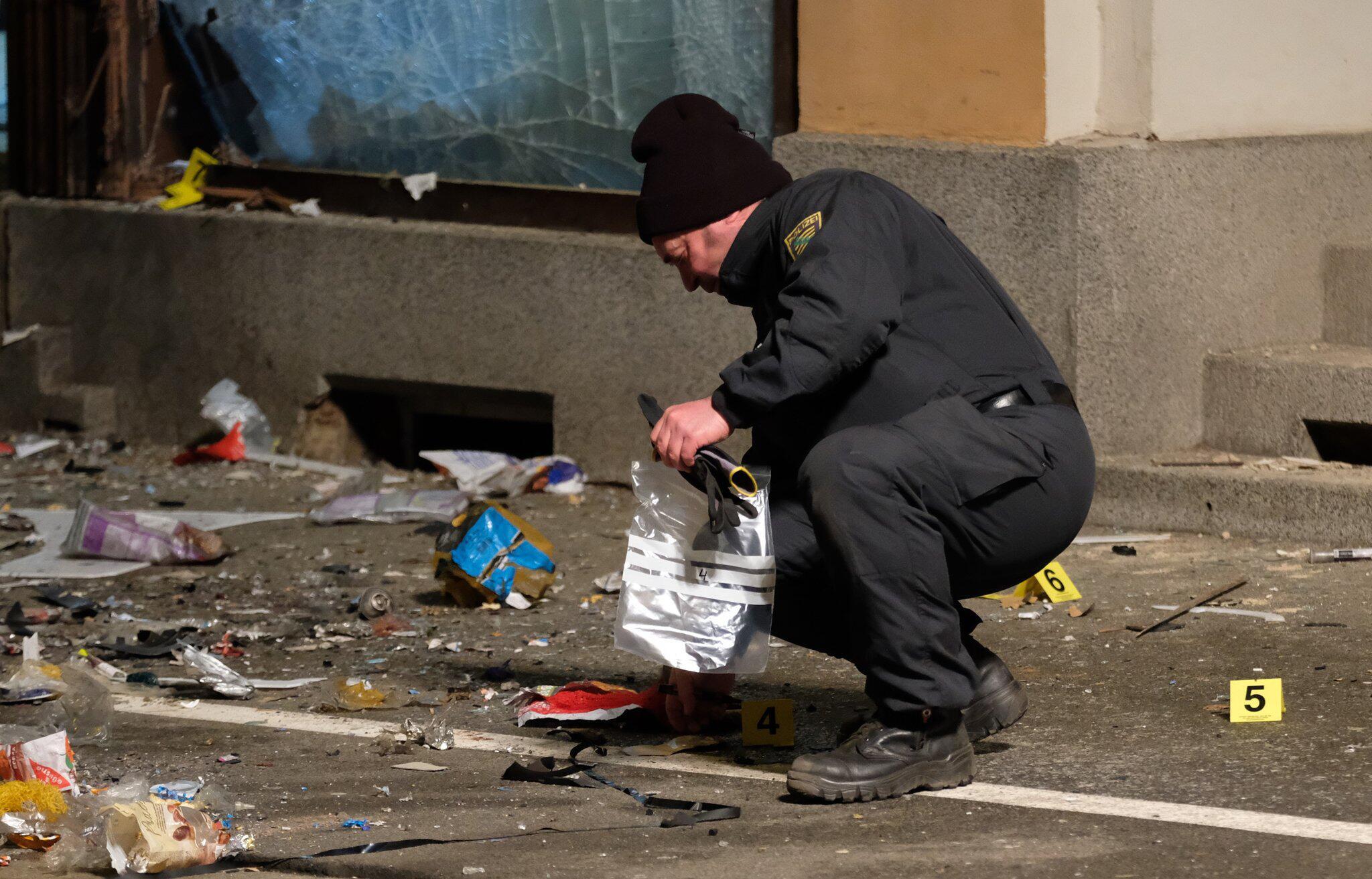 Bild zu Explosion in front of AfD office in Döbeln