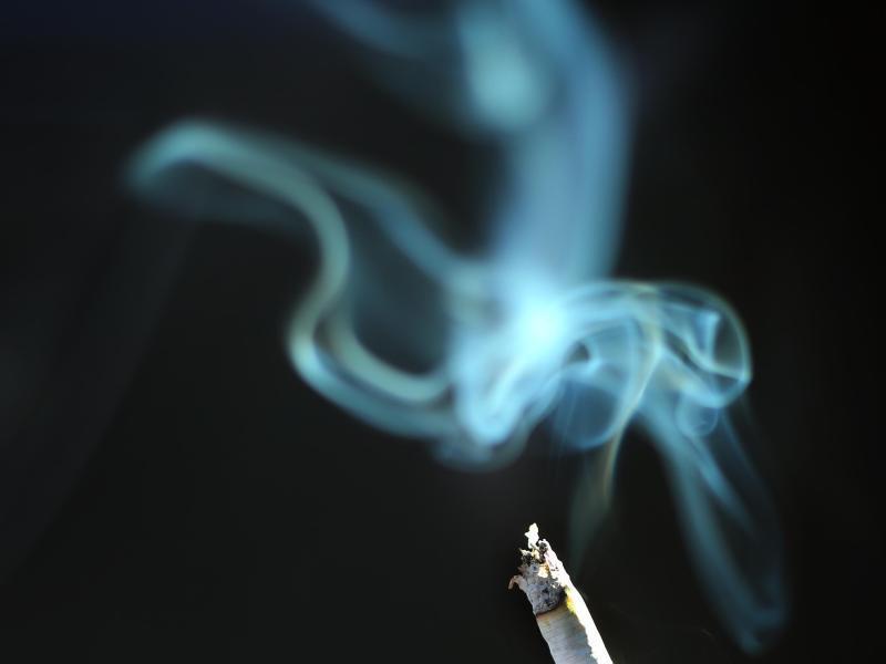 Bild zu Zigarettenrauch