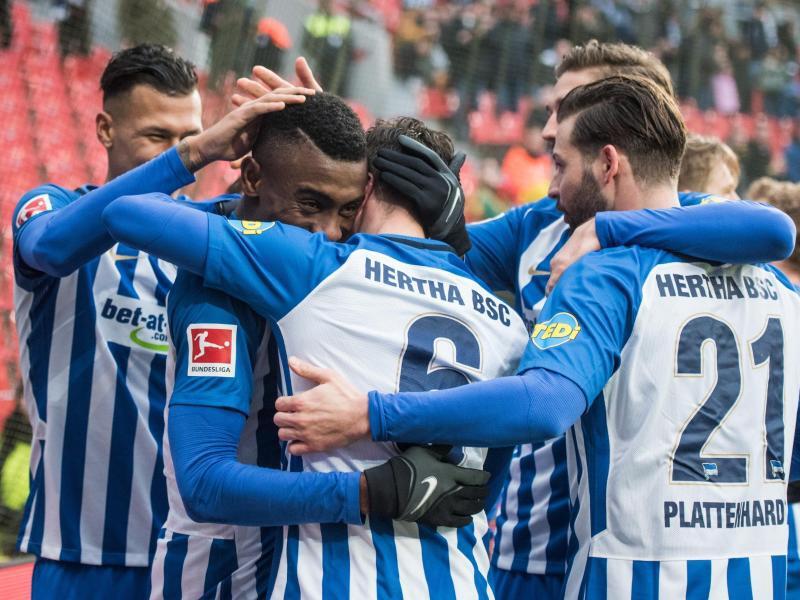 Bild zu Bayer Leverkusen - Hertha BSC
