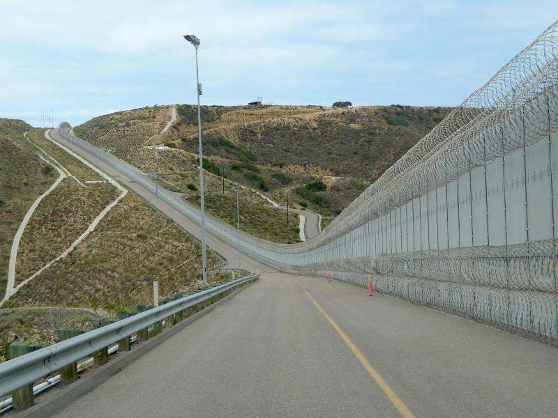 Bild zu Grenzzaun